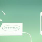 NIVEA Telefonunuzu Güneş Enerjisi İle Şarj Ediyor!
