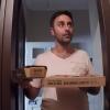 Pizza Siparişi Verdiğinize Kapınızı İki Aşçı Çalarsa Ne Olur?