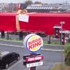Burger King, Restoranını Hediye Paketine Sarıp Hediye Etti
