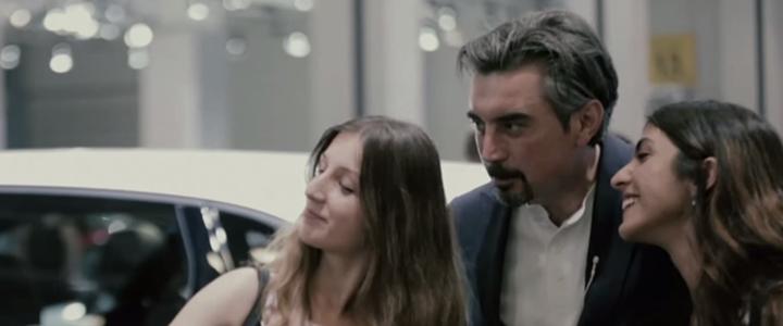 Mercedes-Benz'den Güldüren AutoShow Projesi: Pardon Bakar Mısınız?