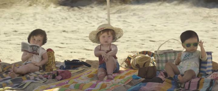 Evian Bebekleri'nin Plaj Keyfi