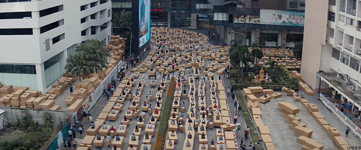 Uber, Asya'nın Trafik Çilesini Kutulara Sıkışmış İnsanlarla Anlatıyor
