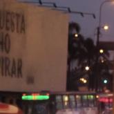 Üzerindeki Mesajın Hava Kirliliğiyle Belirginleştiği Billboard