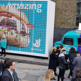 Deliveroo'dan Yenilebilir Billboard