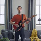 Değişken IKEA Renklerinin Yer Aldığı Müzik Klibi