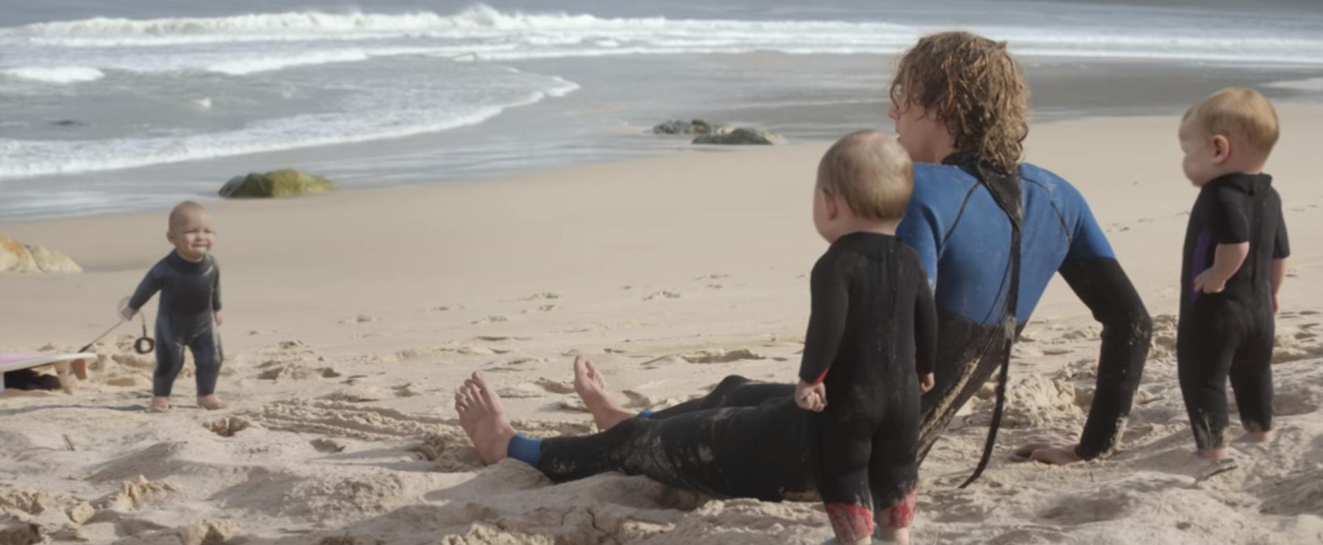 evian-bebeklerinin--plaj-keyfi