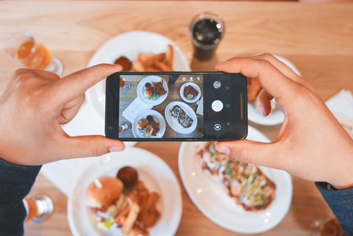 social monitoring influencer
